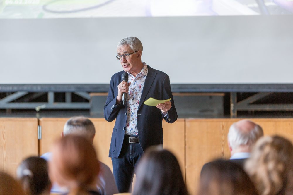 School principal Christoph Bohn welcomed around 100 pupils to the 2020 Engineer's Day at the Max Planck High School in Lahr.