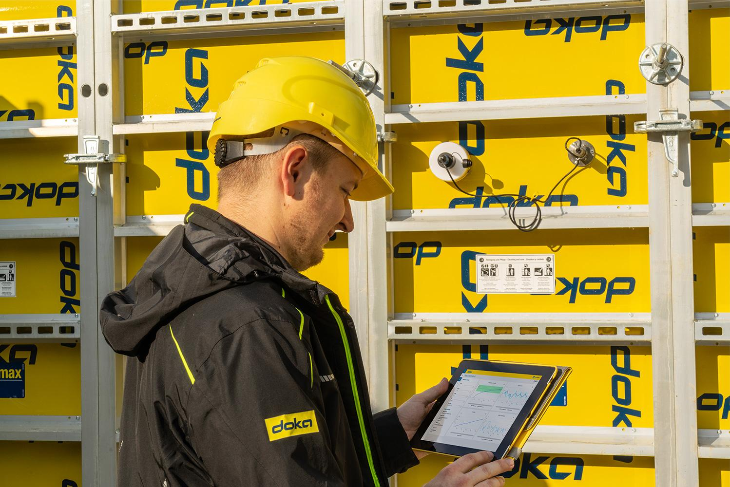 Concremote: Sensors are used to measure the temperature of the concrete. This data is then used to calculate the component's strength. Photo: Concremote.jpg, Copyright: Doka