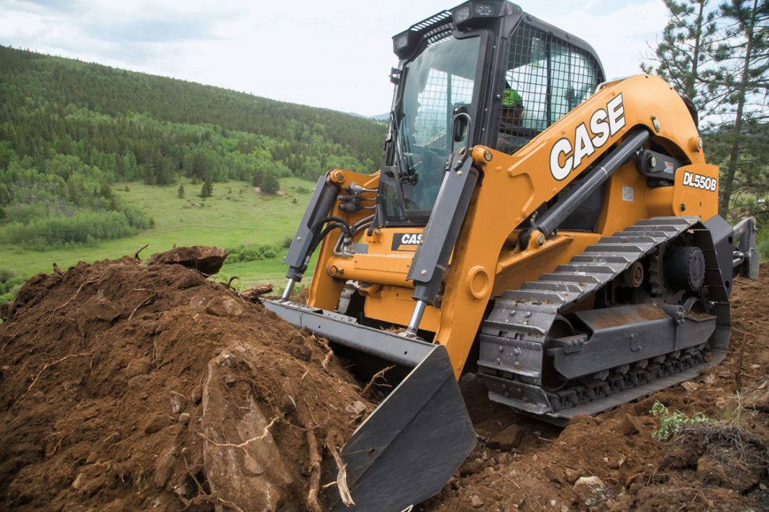 CASE debuts DL550B Compact Dozer Loader at ConExpo