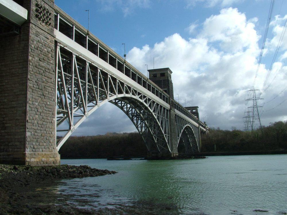Britannia bridge by day.