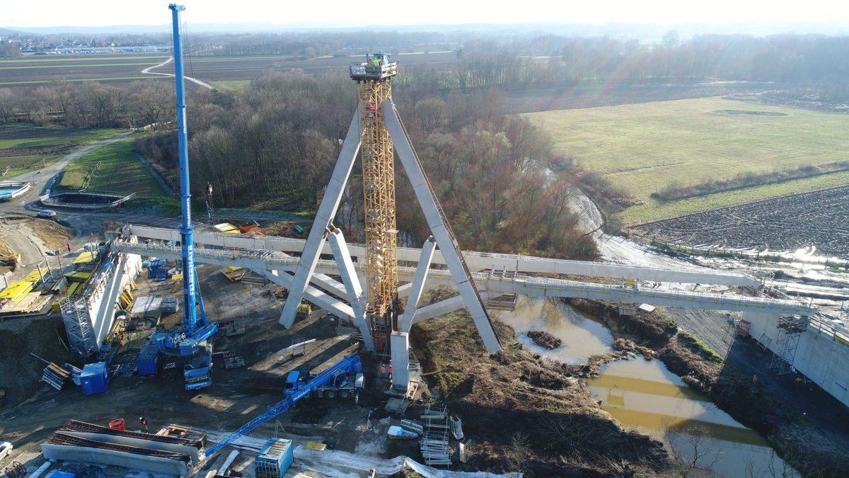 TU Wien unveils the Unfoldable Bridge in Austria