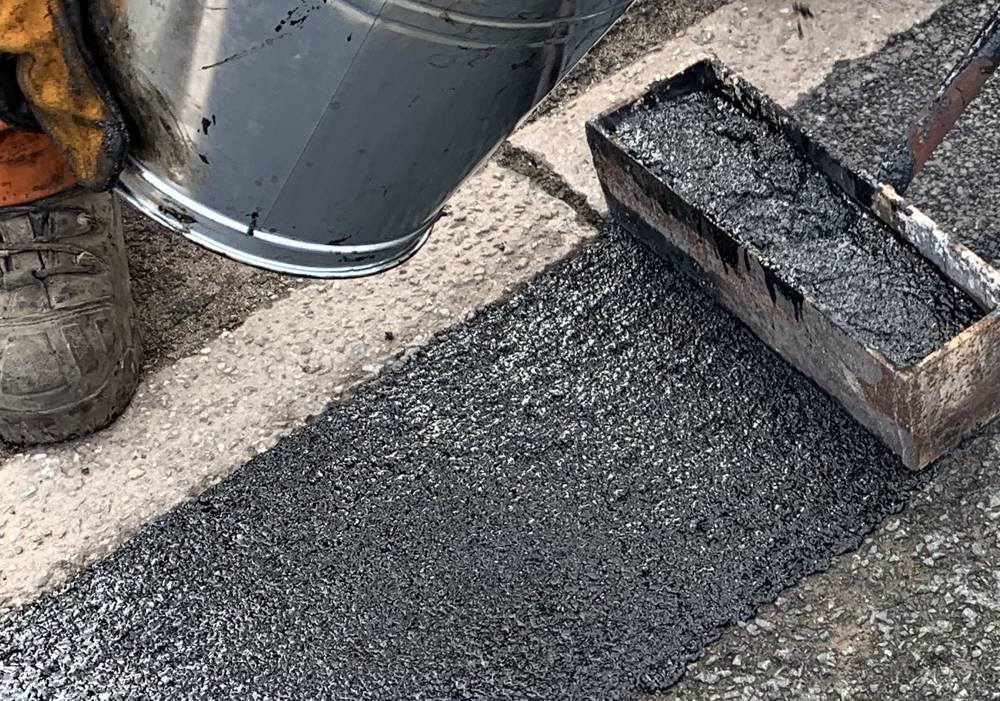 Roadmender UK promotes mastic asphalt as the new pothole hero