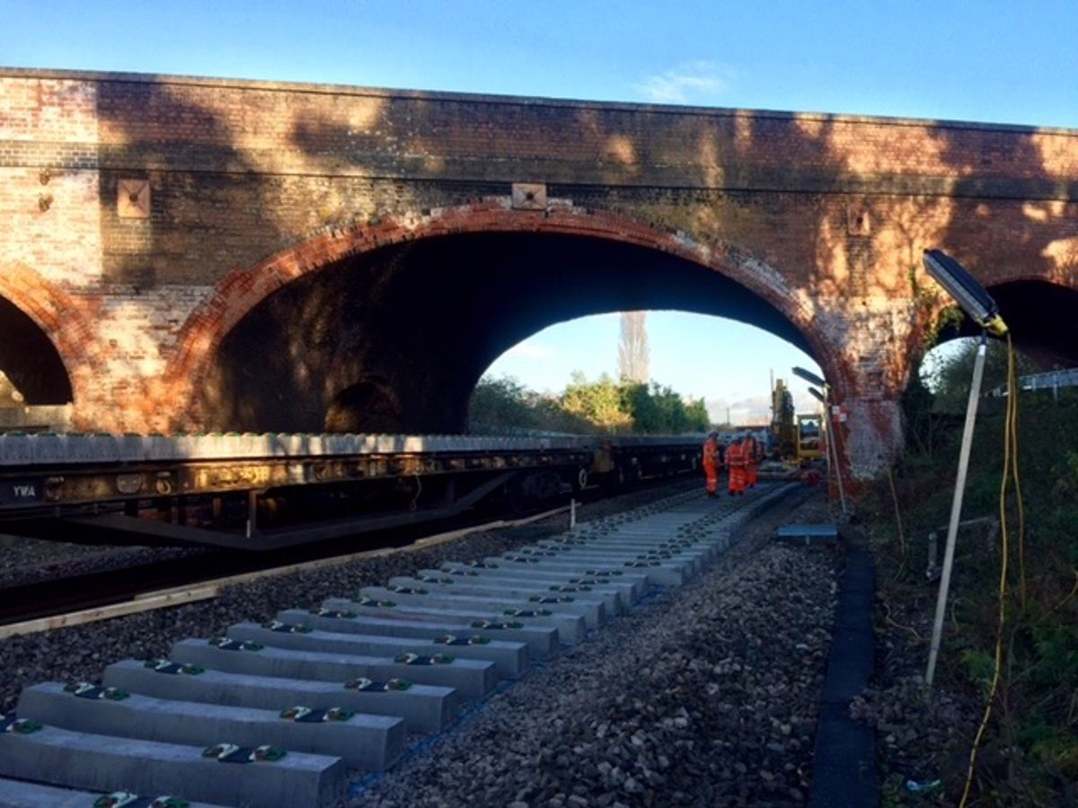 Network Rail uses state-of-the-art testing to keep Bridge open in Oxfordshire