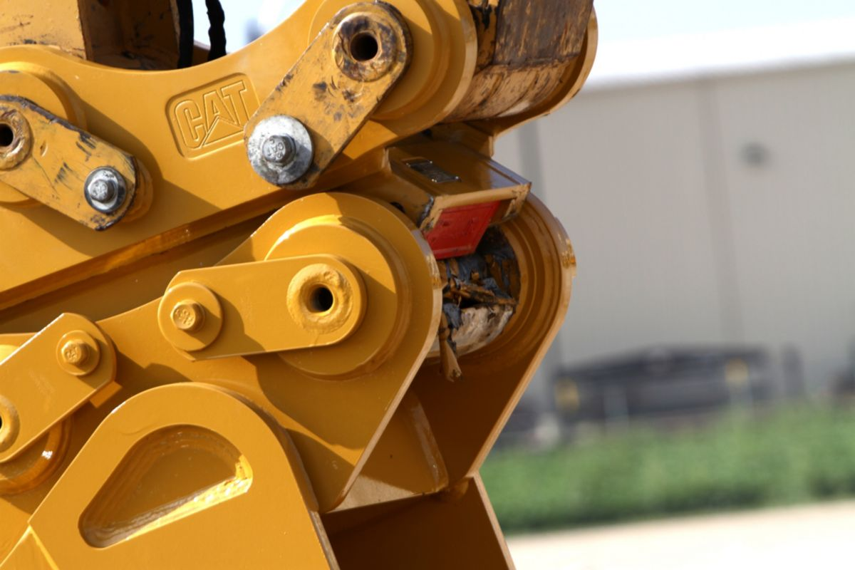 CAT Pin Grabber Couplers boost productivity and reliability while keeping safety a priority