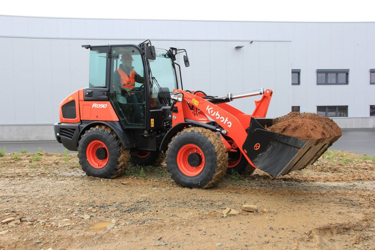 Kubota's next-generation R070 and R090 wheel loaders