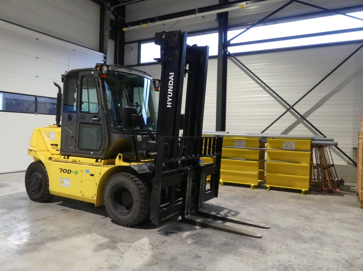 Encarna invests in Hyundai material handling equipment and expands forklift training