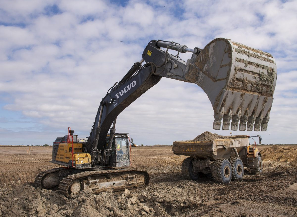 VolvoCE helping to restore the Florida Everglades to its former glory