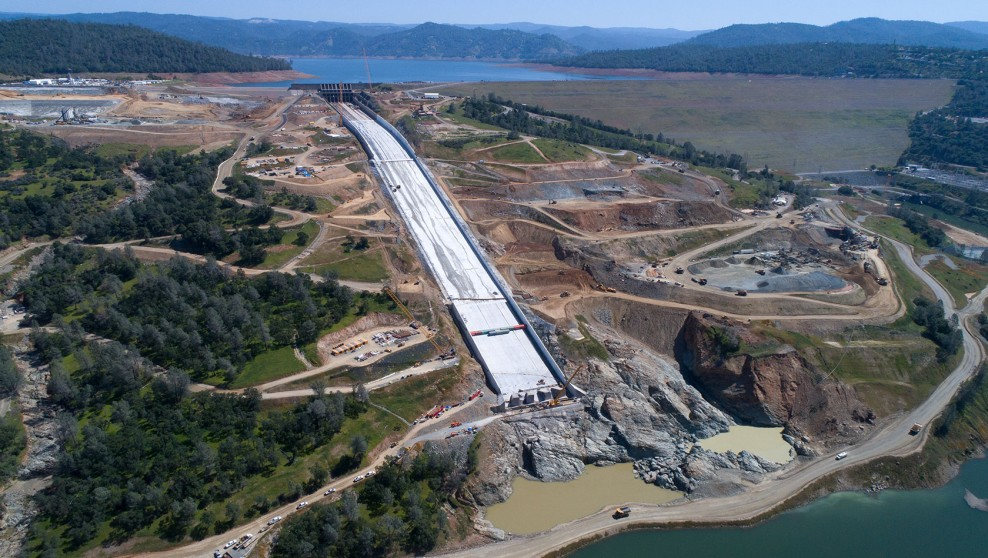 Oroville Dam's steep spillway no match for Wirtgen Cold Milling Machine precision