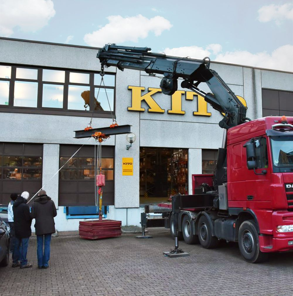 KITO has its manual hoists tested by an independent organization to guarantee excellent quality.