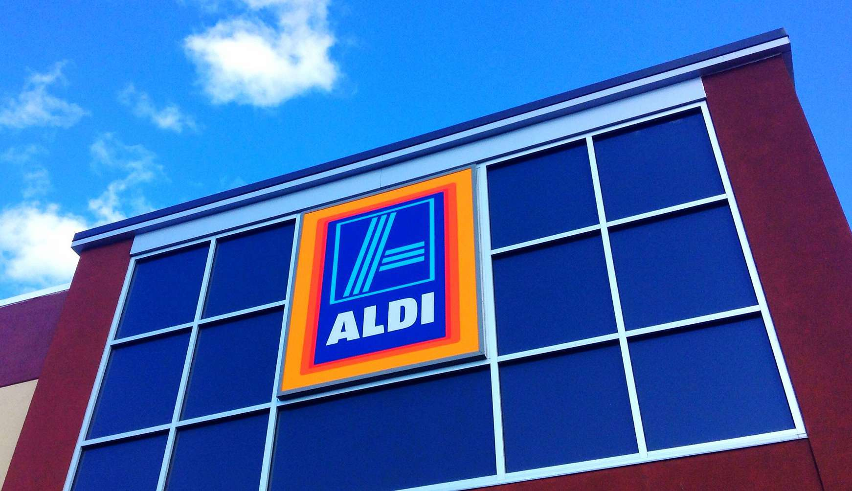 NewMotion partners with Aldi to deliver electric vehicle charging points