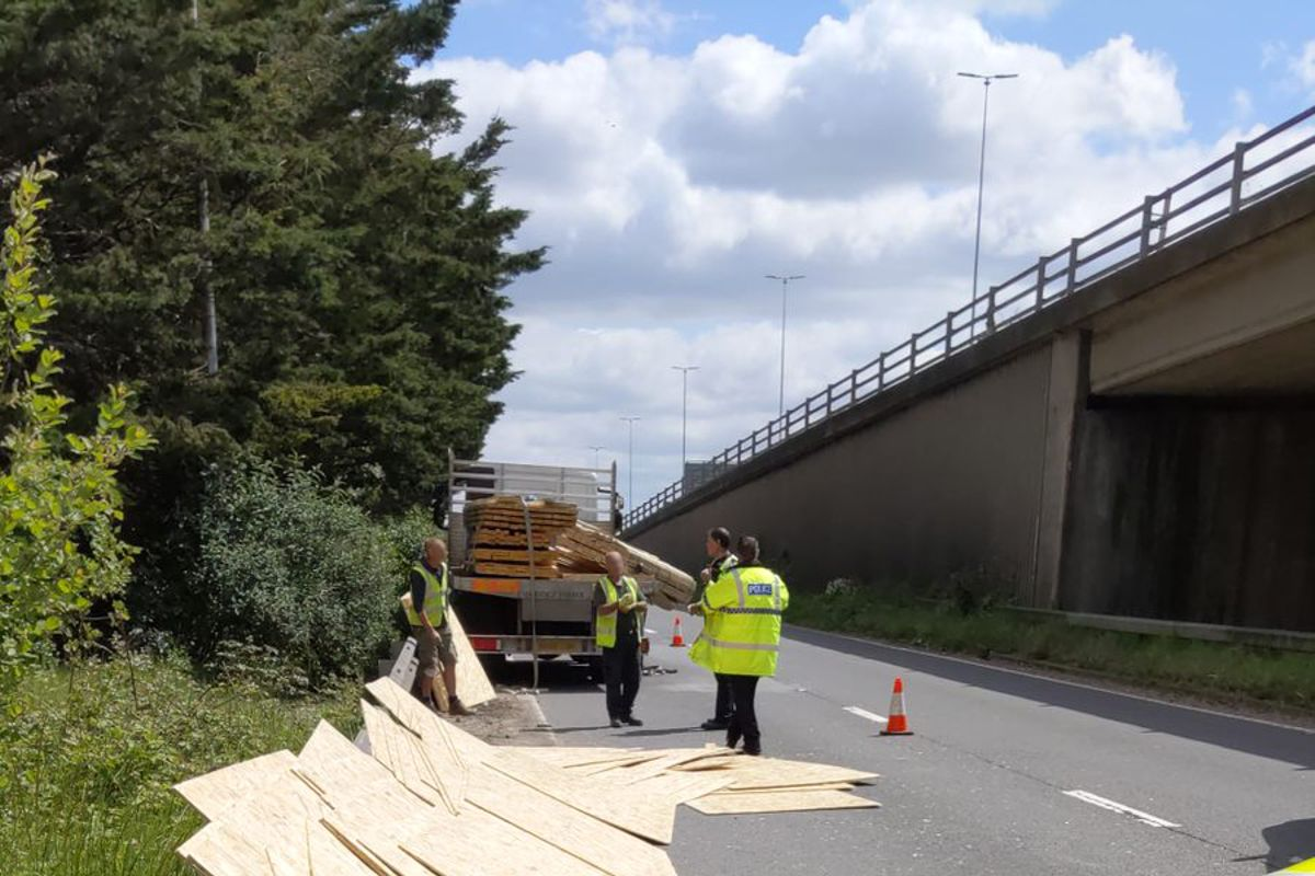 Highways England warns about the dangers of unsecured loads
