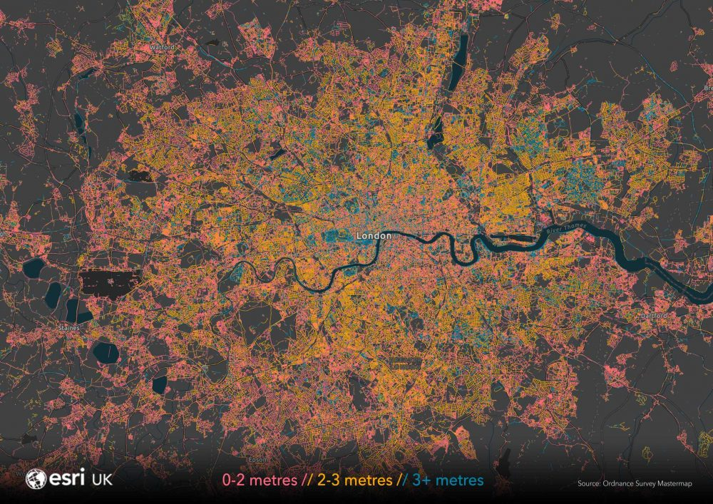 Esri UK's map of pavement widths helps local authorities with social distancing plans