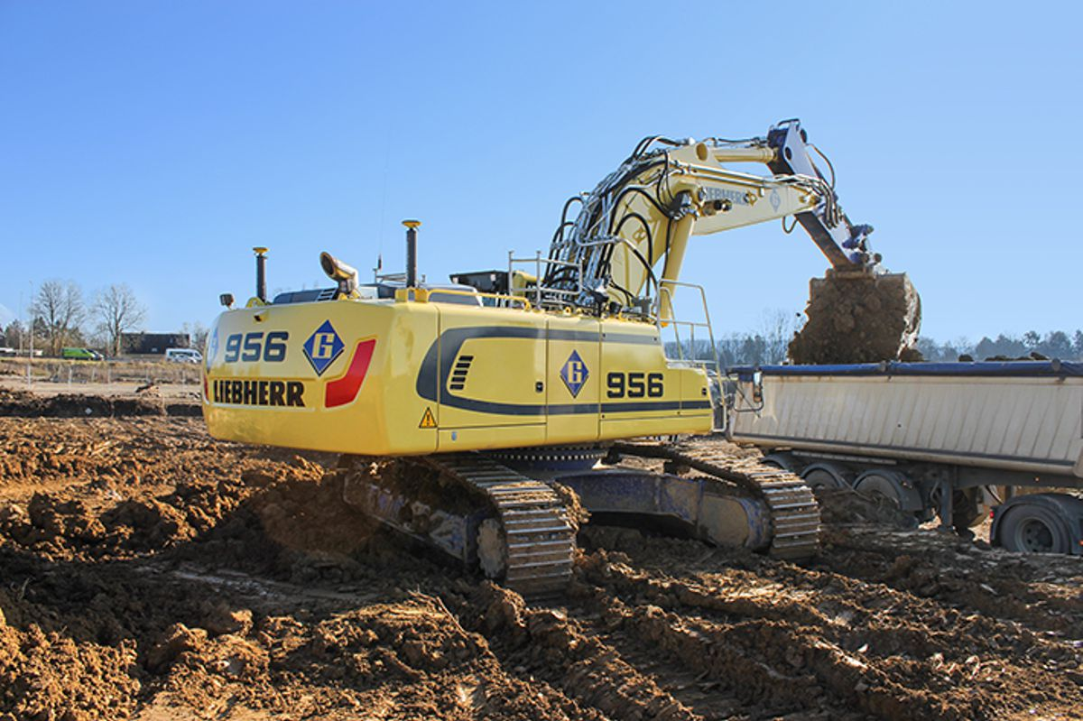 Two new Liebherr crawler excavators head to Félix Giorgetti Sàrl in Luxembourg