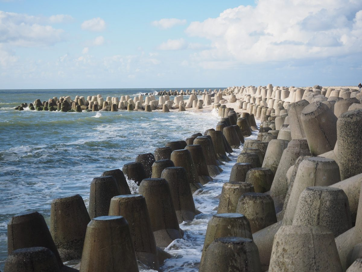 Download CIRIA's new guide to preventing beach erosion - Groynes in coastal engineering