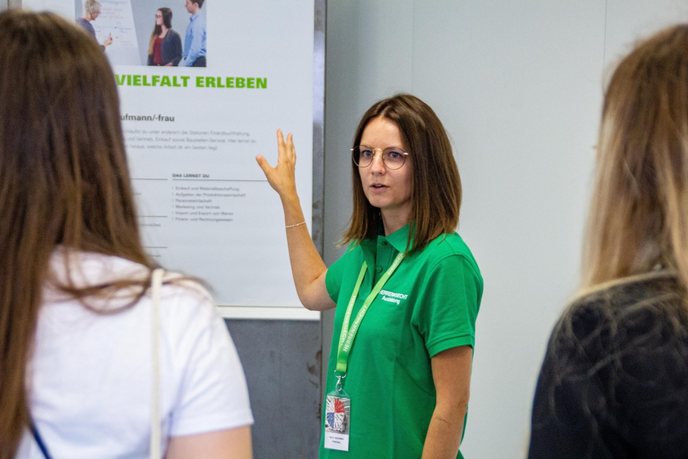 The Herrenknecht trainer team was on hand to answer any questions – whether about the application process, the theoretical and practical content of the apprenticeships and degree internship programs or the chronological sequence of the training process.