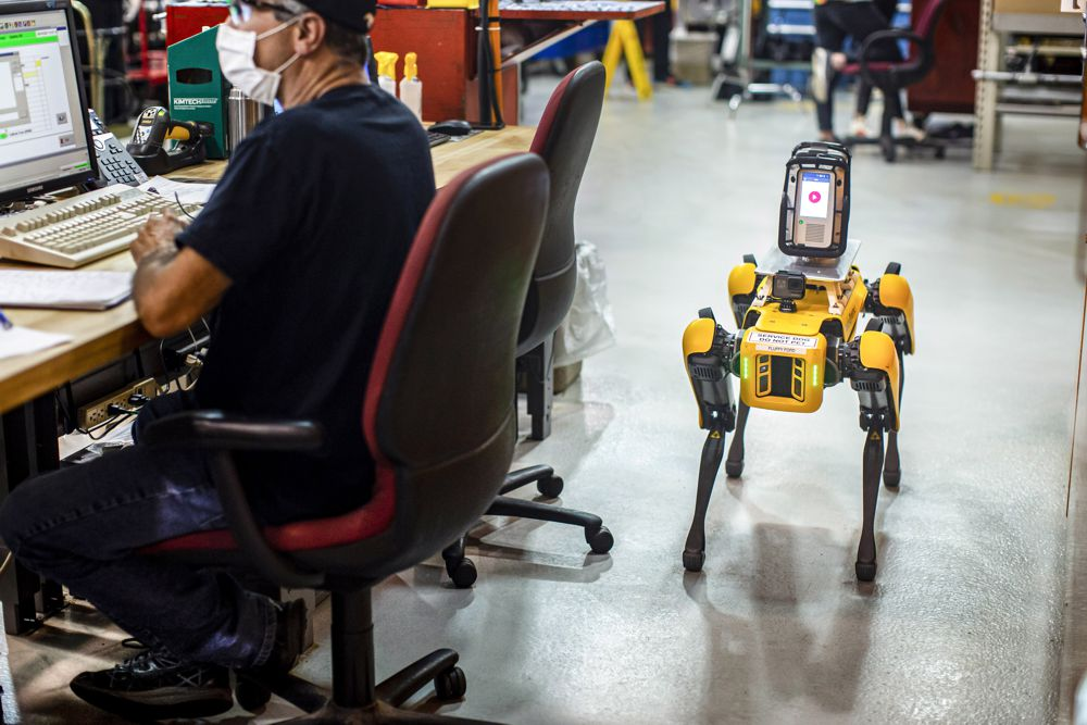 Ford Experimenting with 4-legged Boston Dynamics robots to 3D Scout factories