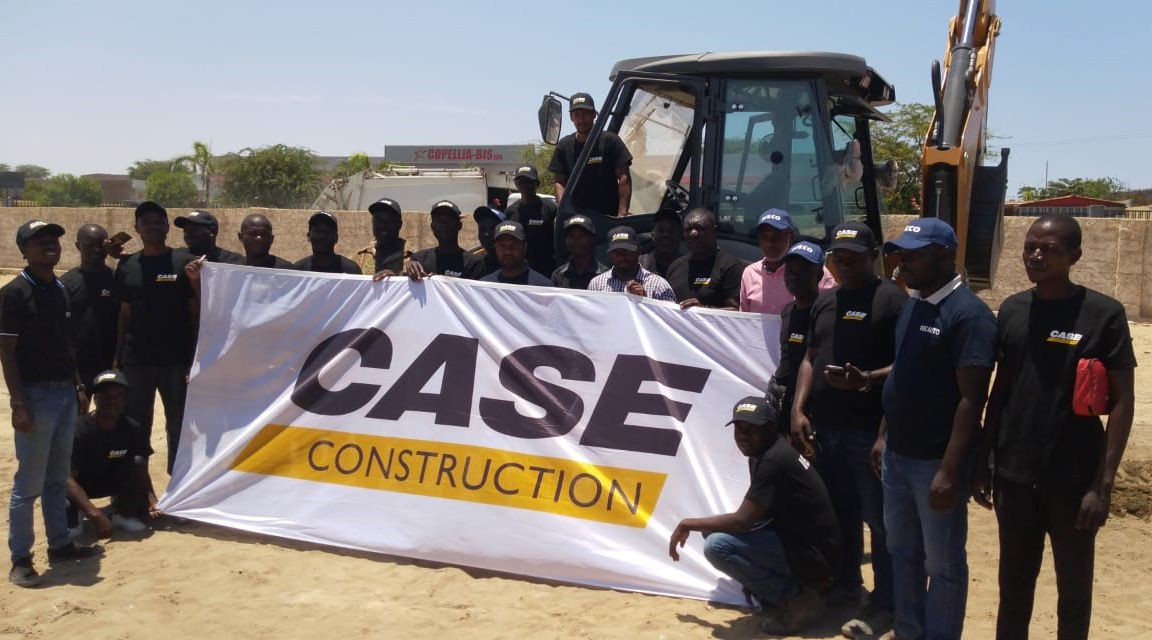 CaseCE delivering 125 backhoes, excavators, dozers and graders to Angolan Military