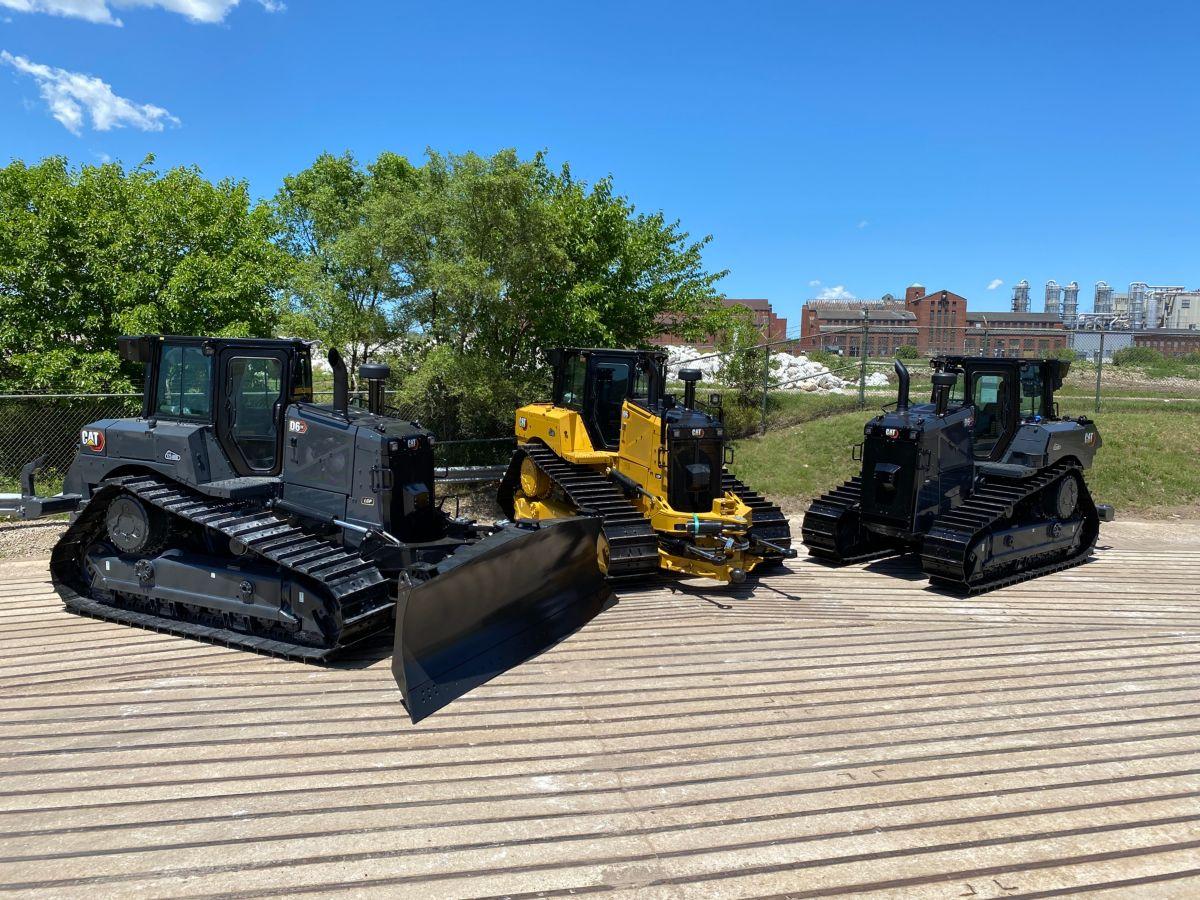 Caterpillar celebrates 35 years of production of 175,000 medium high drive dozers