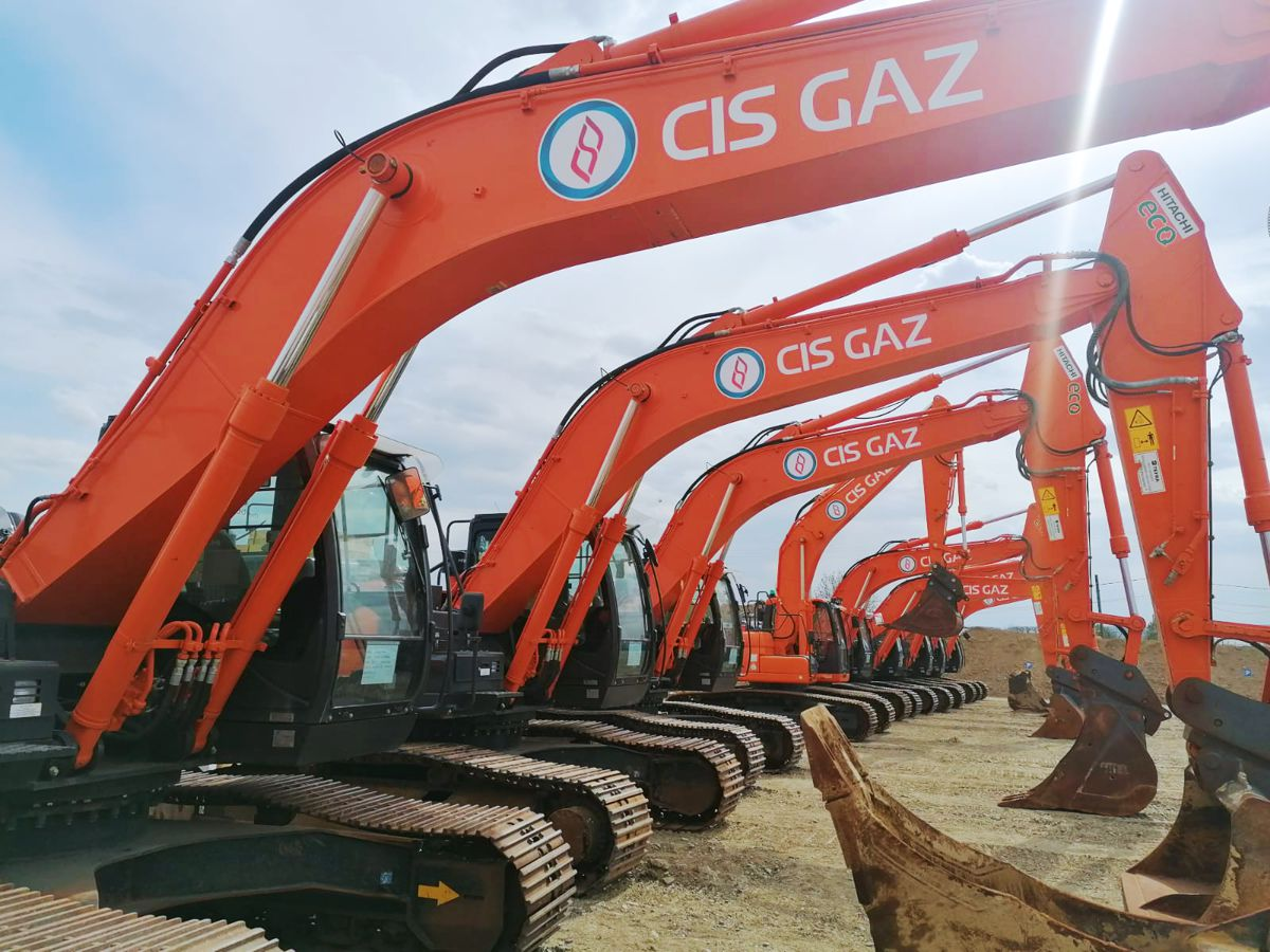 13 Hitachi Premium Used excavators set for Romania to Moldova gas pipeline project