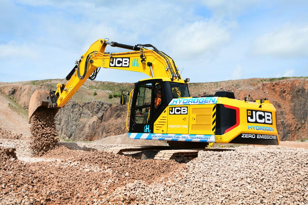 The prototype 20-tonne JCB 220X excavator powered by a hydrogen fuel cell.
