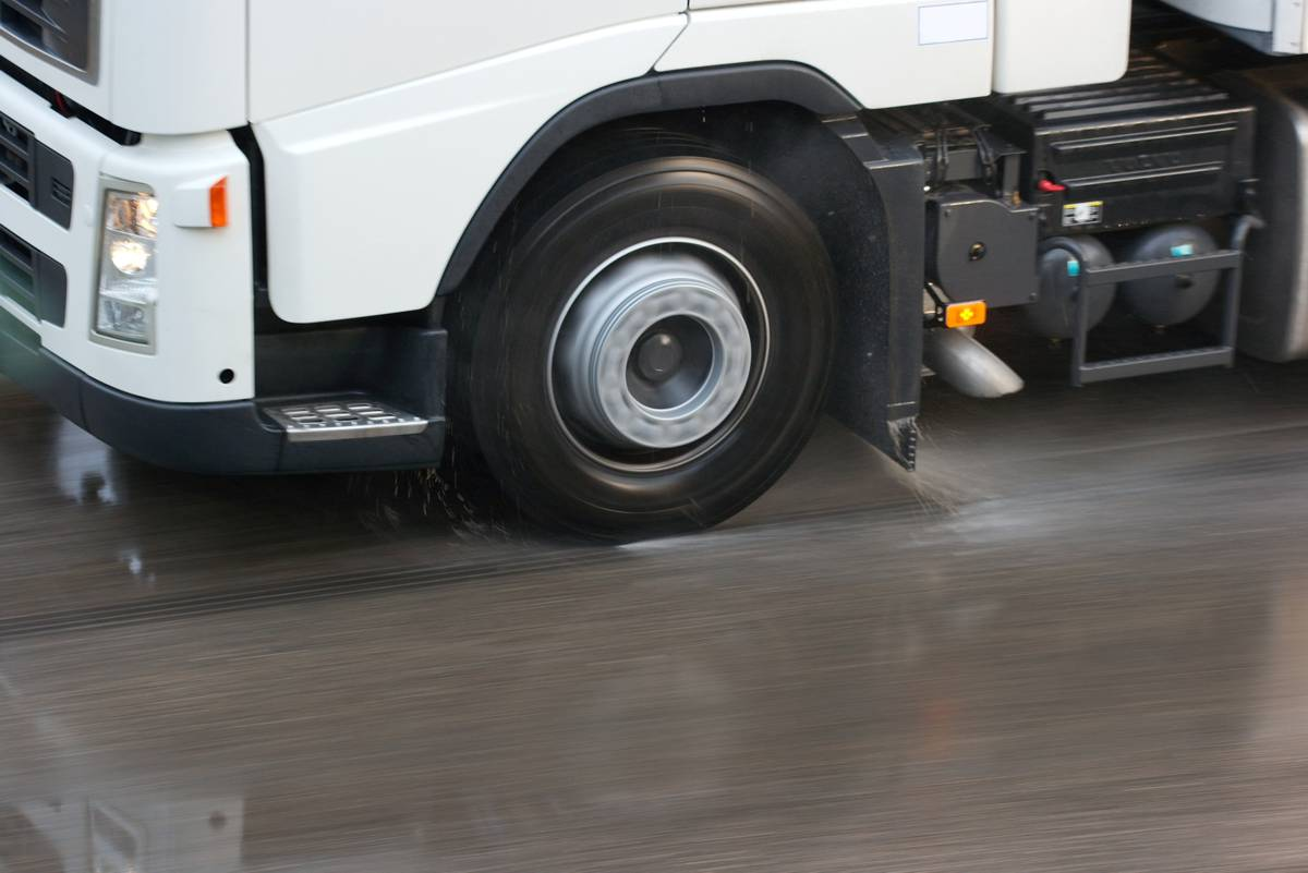 UK tyre safety initiative could see ban on fitting older tyres