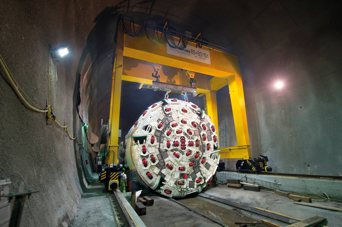After assembly of the Herrenknecht machine on the jobsite, the miners started tunnelling in October 2015.