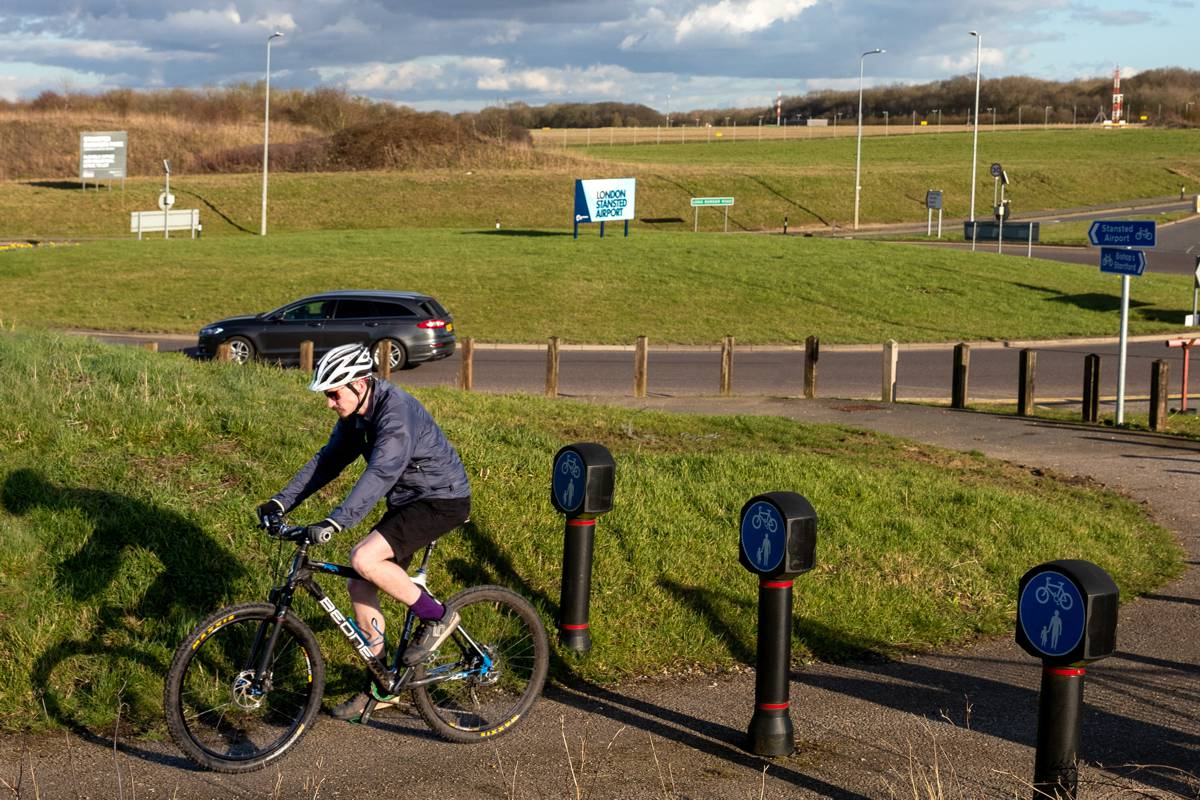 Highways England encouraging British road users to get pedalling