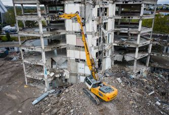 Liebherr launches R940 Demolition Crawler Excavator to replace R944C