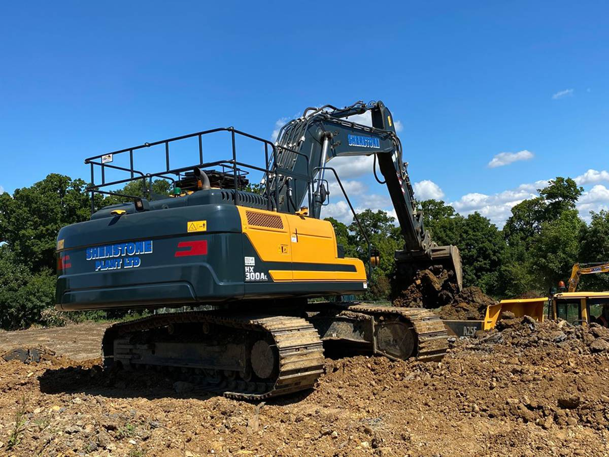 Shenstone Plant chooses Hyundai for their first ever new equipment purchase