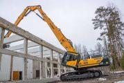 Hyundai HX520L Excavator fells Kullaa College of Forestry in Finland