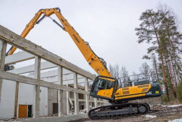 Hyundai HX520L Excavator fells Kullaa College of Forestry in Finland