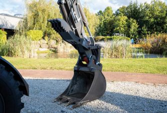 Mecalac launches hydraulic thumb attachments for 6MCR and 7MWR Excavators