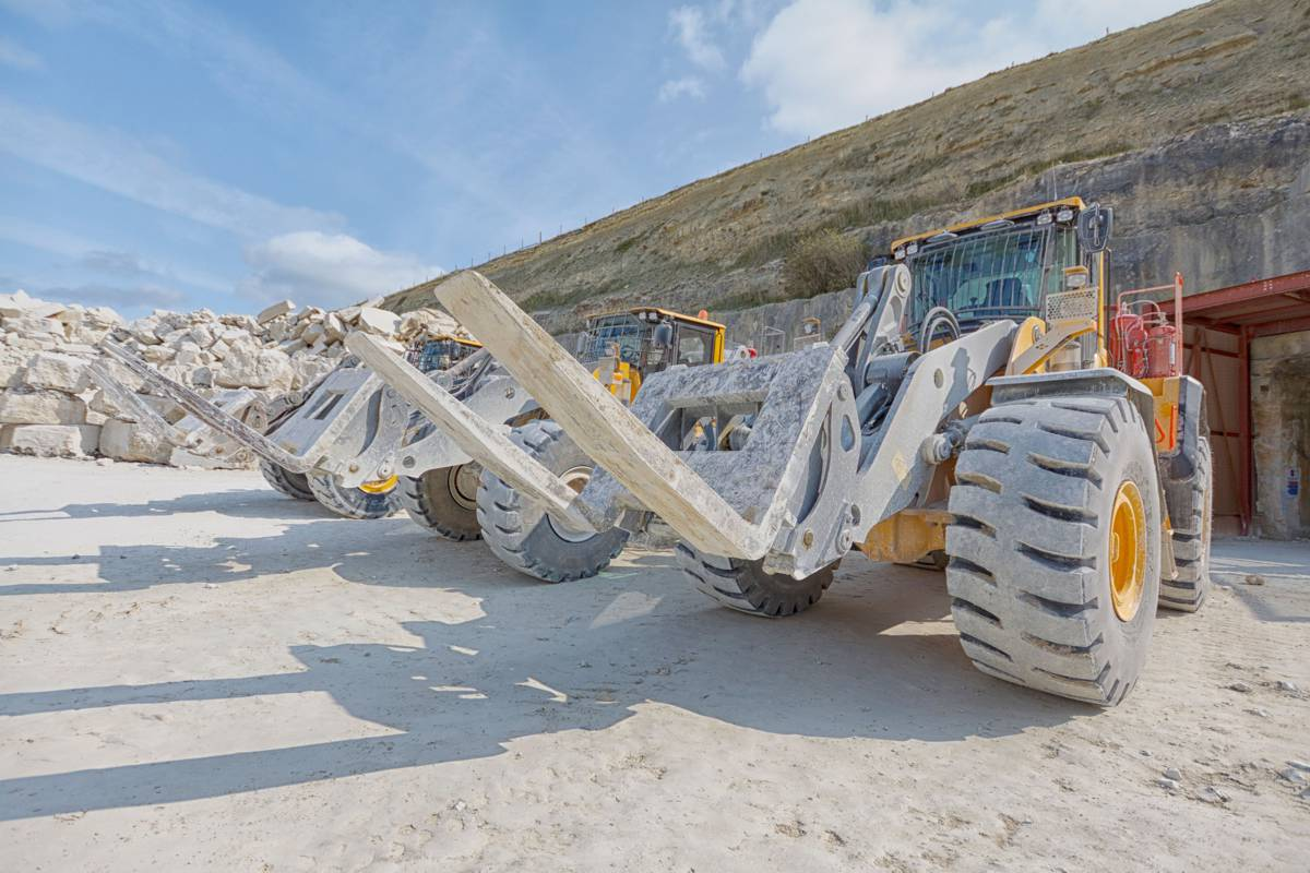 Albion Stone expands mining operations on Isle of Portland with new Volvo Loader
