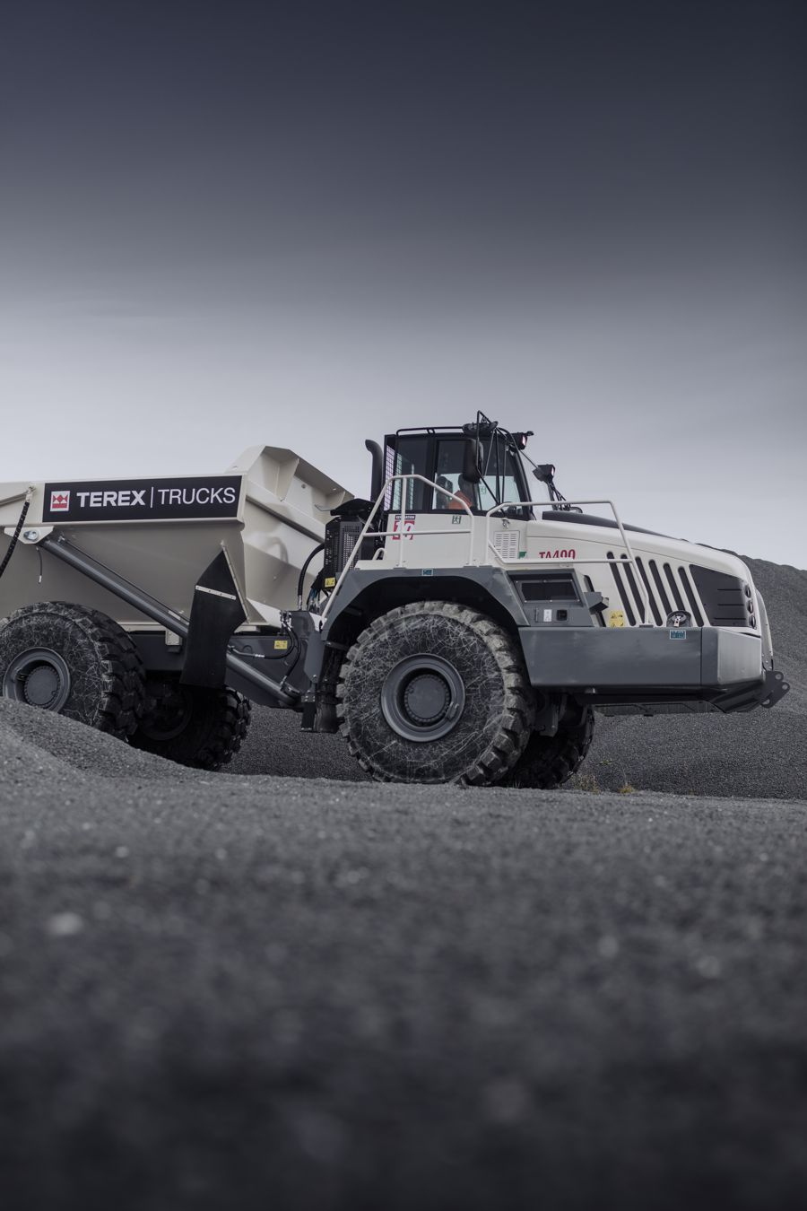 Headwater Equipment Sales in Canada signs up with Terex Trucks