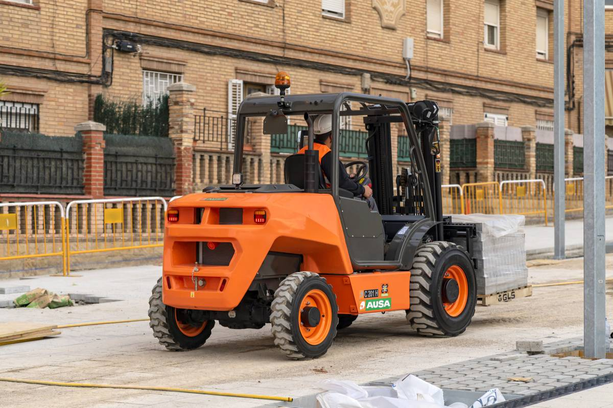 AUSA launches the C201H urban forklift