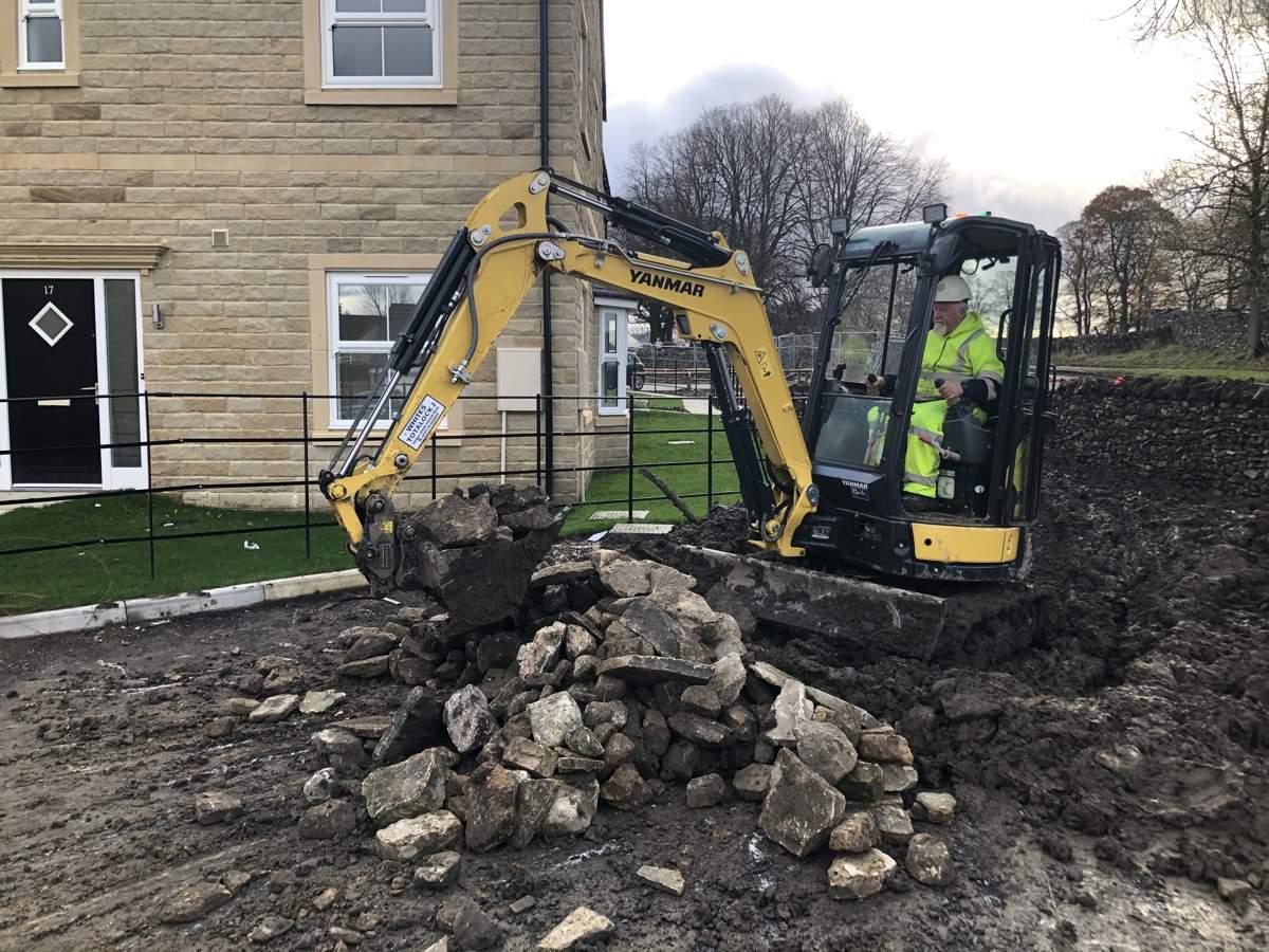 Holmfirth Building Services upgrades to Yanmar ViO26-6 Mini-Excavator