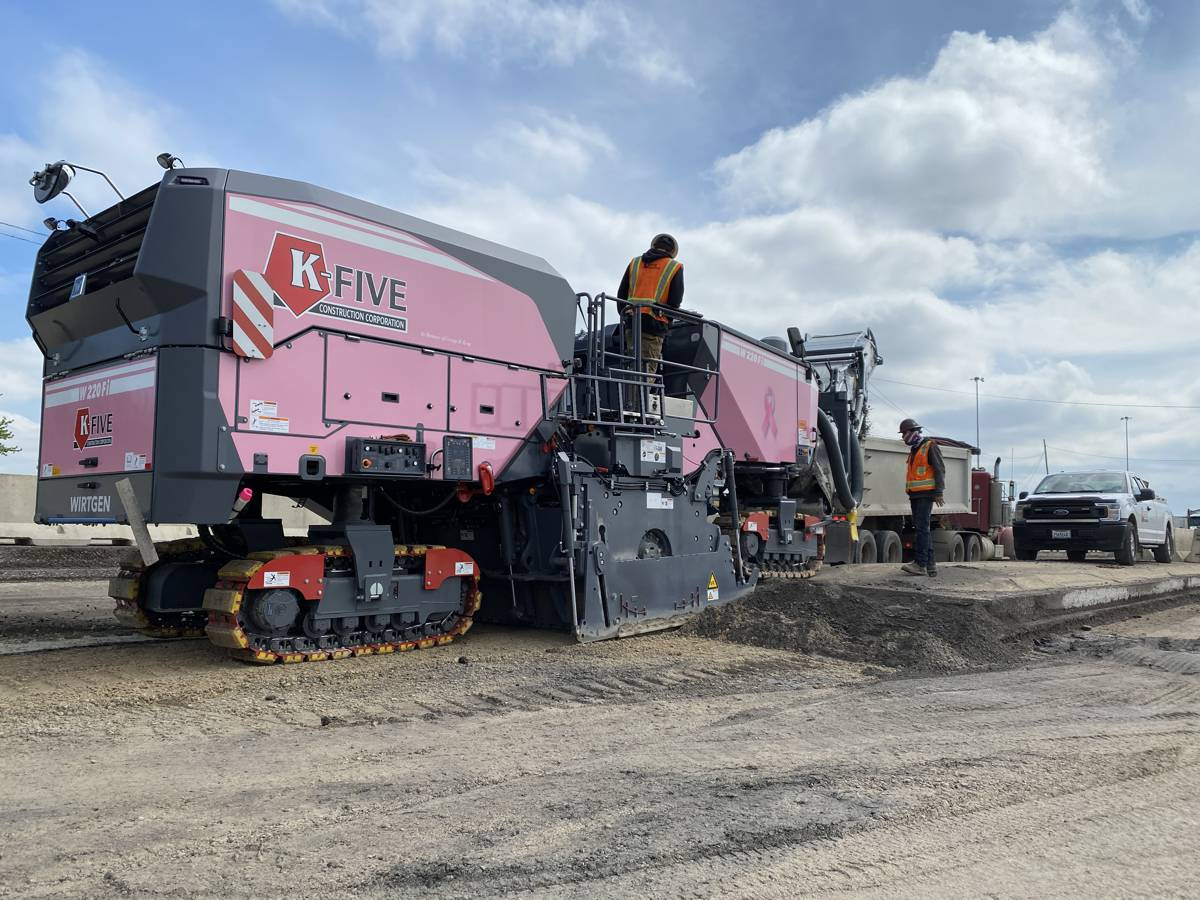 Wirtgen W-220-Fi and Mill Assist remove road surface to 46 cm depth in two passes