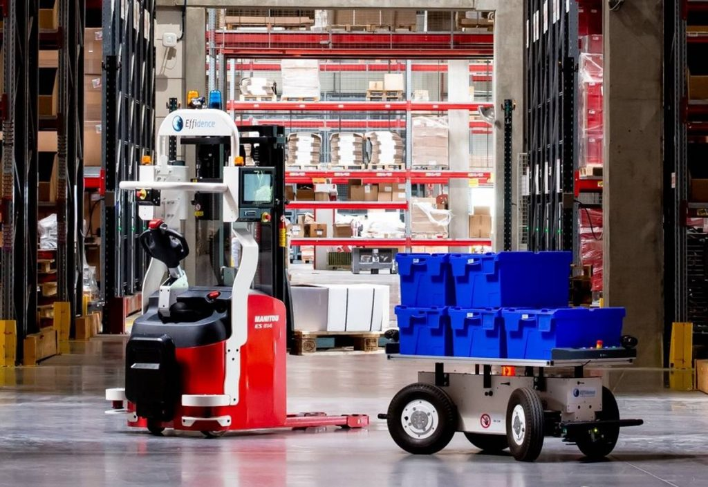 Fleet of Effidence robotic stackers assist Rhenus logistics services