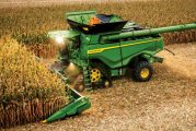 John Deere honoured by CES for X Series Combines in Robotics category