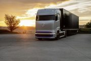 Linde and Daimler Truck collaborate on liquid−hydrogen truck refuelling technology