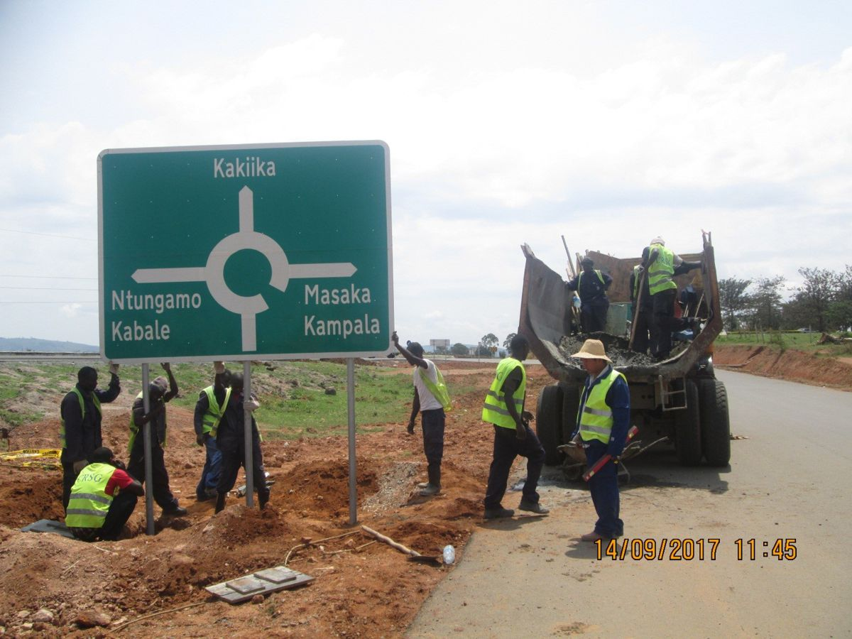 AfDB funds $71.5 m for road upgrading project in Uganda