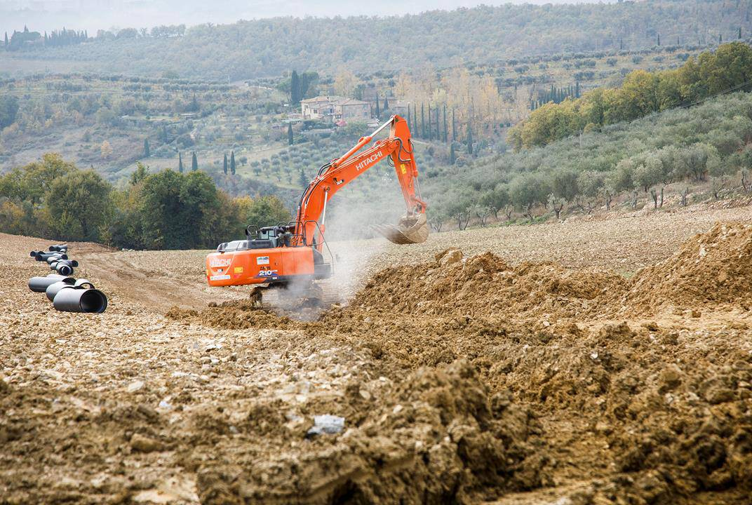 Hitachi Construction Machinery expands distribution network in Italy
