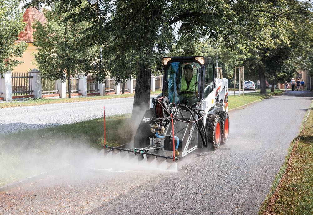 Bobcat's new Pressure Washer attachment cleans up in Spain