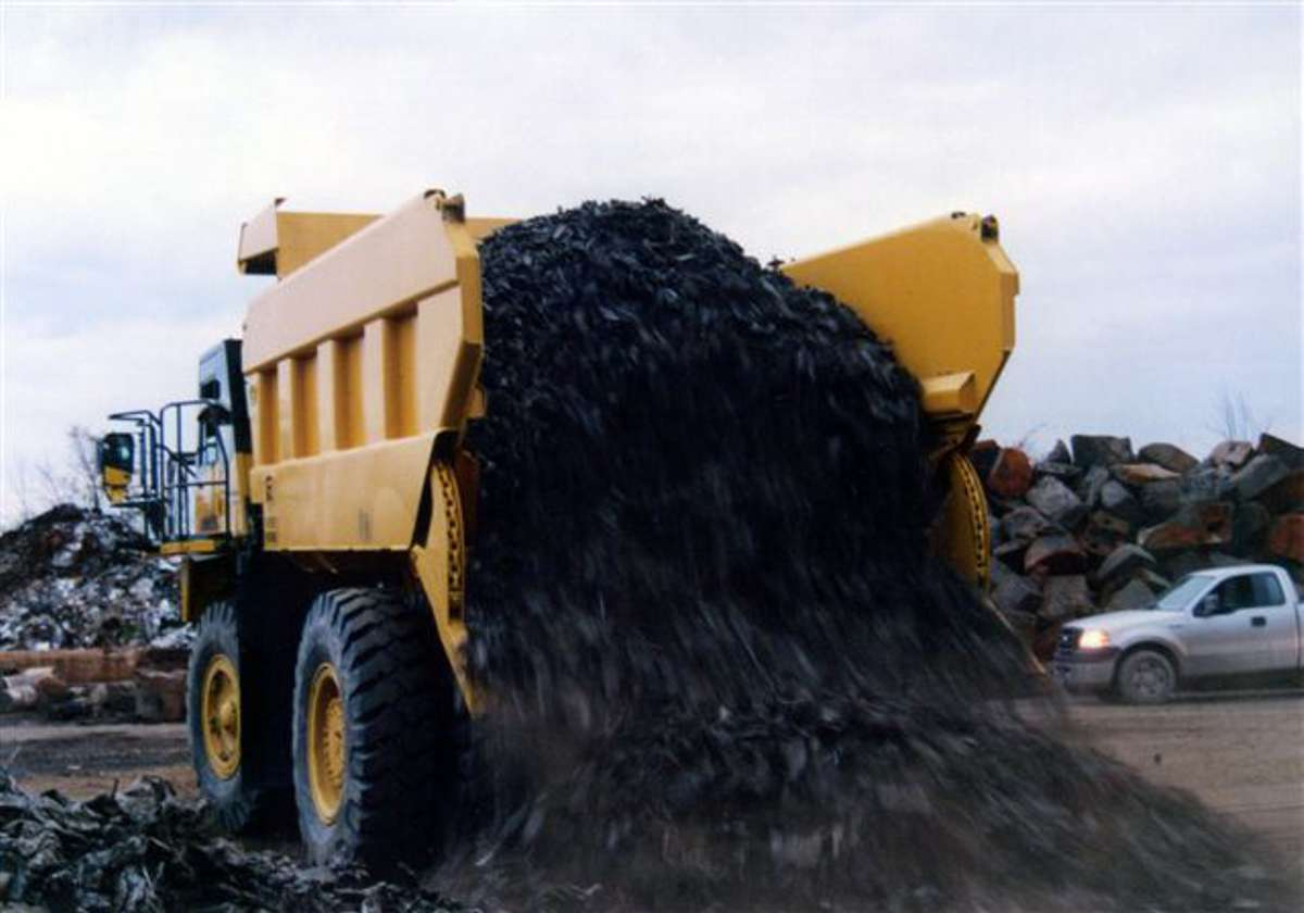 Rear eject bodies eliminate the need to stop and lift during the dumping cycle, saving valuable time with each dump and increasing efficiency by up to 25%.
