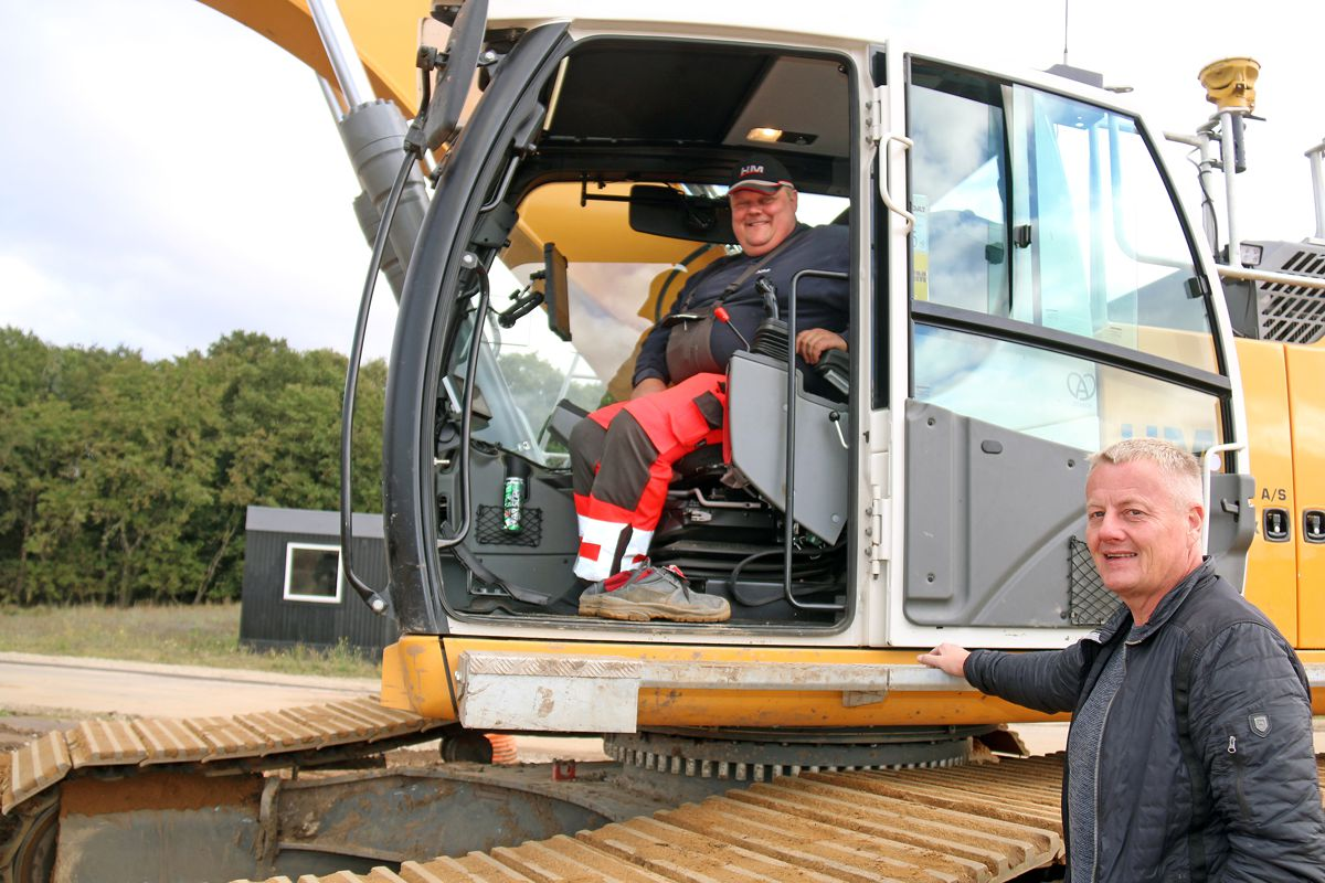 HM-Entreprenør A/S invests in 12 Liebherr crawler excavators