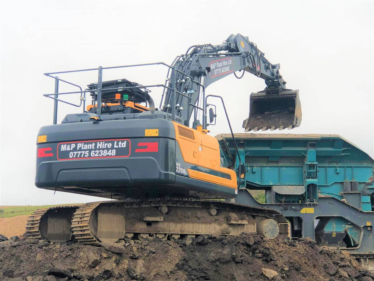 Three Hyundai HX220AL Crawler Excavators make tracks for Dorset