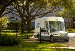 US Postal Service awards Oshkosh billion dollar contract for 165,000 electric vehicles
