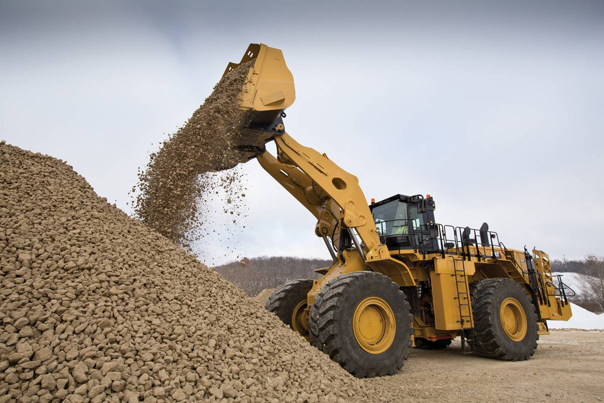 Cat new 992 Wheel-loader 48 percent more efficient and 32 percent more productive