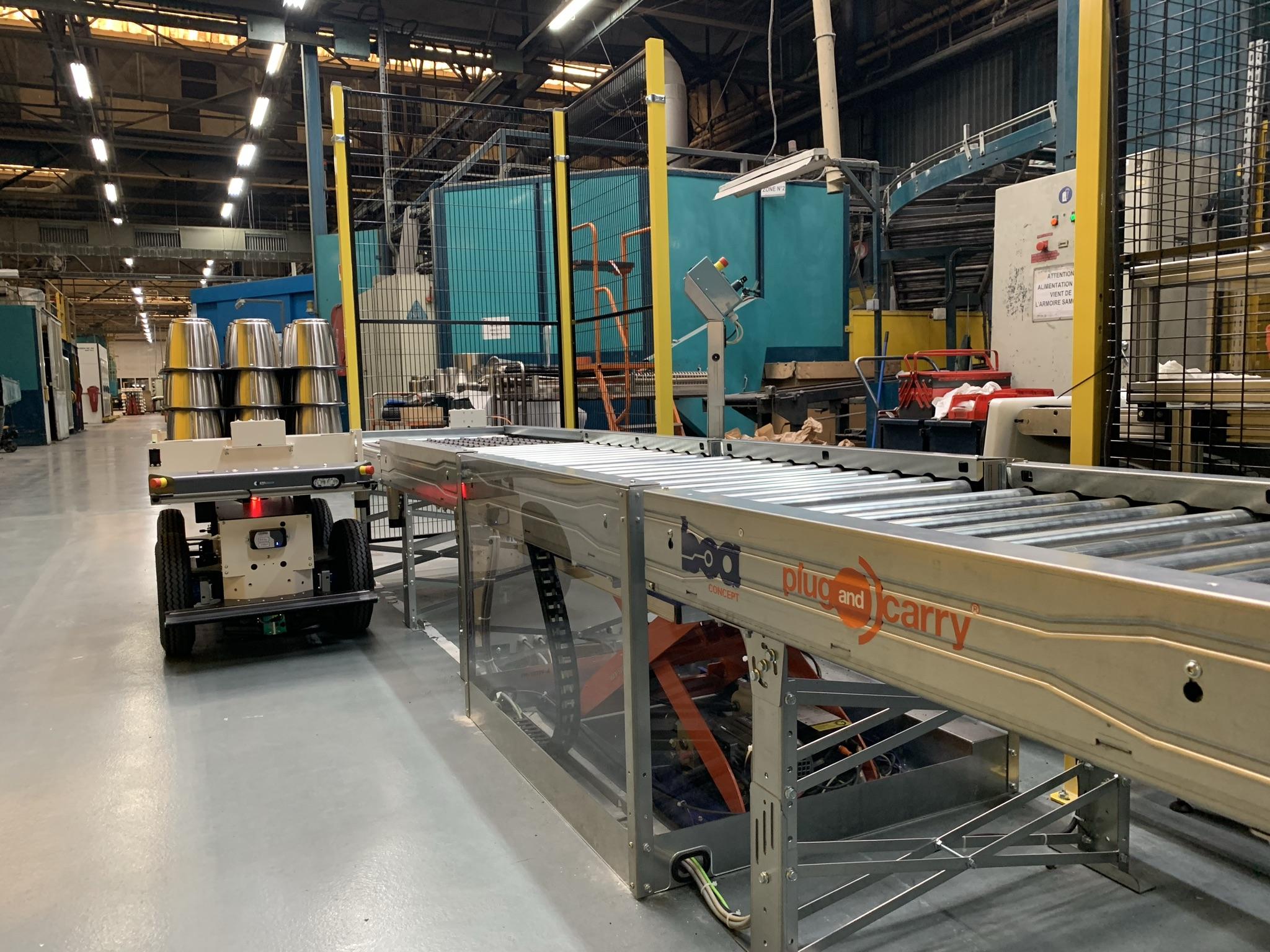 Effidencereleases Convey-LINK mobile conveyor for the EffiBOT mobile robot