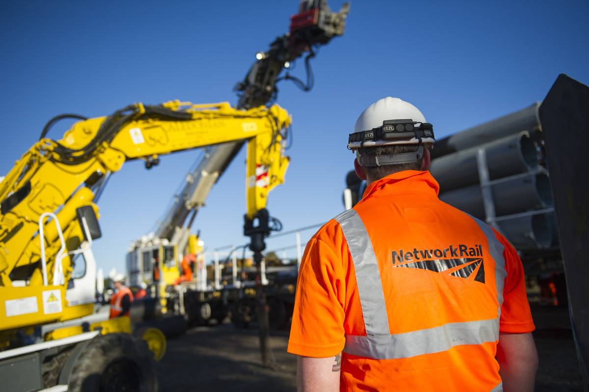 Network Rail investing over £100m to upgrade railways in England over Easter